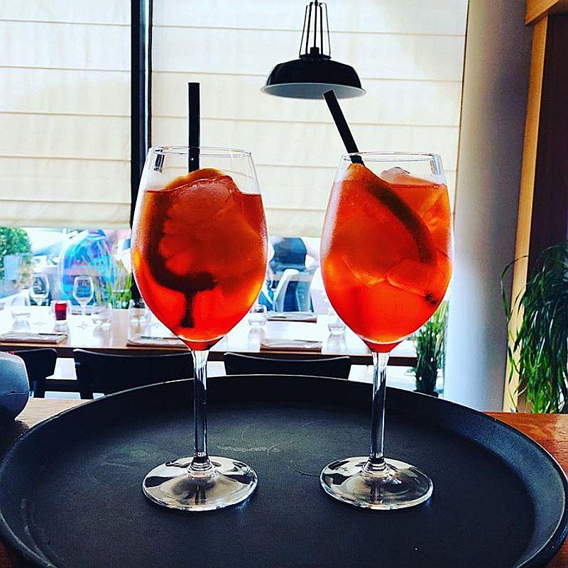 Aperol Spritz bij Italiaans restaurant Gusto Di ItALB in Den Haag