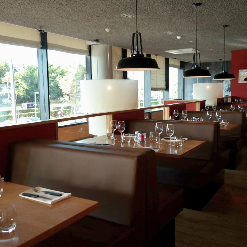 Interieur etage Italiaans restaurant Gusto do Italb Den Haag