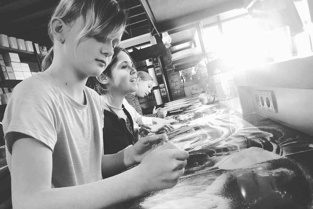 Pizzaworkshop voor kinderen bij Italiaans restaurant Gusto Di Italb in Den Haag